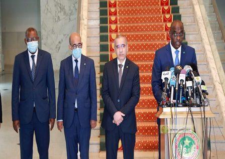 وزراء خارج الحكومة أغلبهم من وزراء «العشرية»
