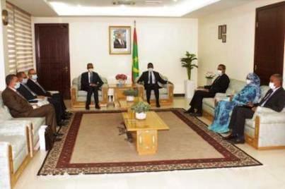 الوزير الأول يجري مباحثات مع المدير العام للأليسكو
