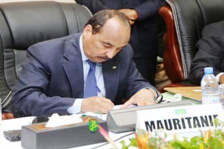 ولد عبد العزيز يرفض التوقيع على محاضر شرطة الجرائم الاقتصادية..