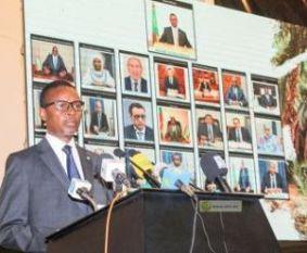 الوزير الأول يشرف على تأسيس اتحاد جديد لا يرغب أحد في الانضمام إليه!
